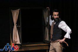 تسلط به زبان انگلیسی در تئاتر باعث رسیدن به منبع اصلی نمایشنامههای جهانی است