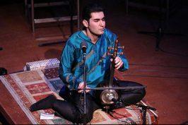 روایت نوید دهقان از اجراهای گروه قمر در روسیه